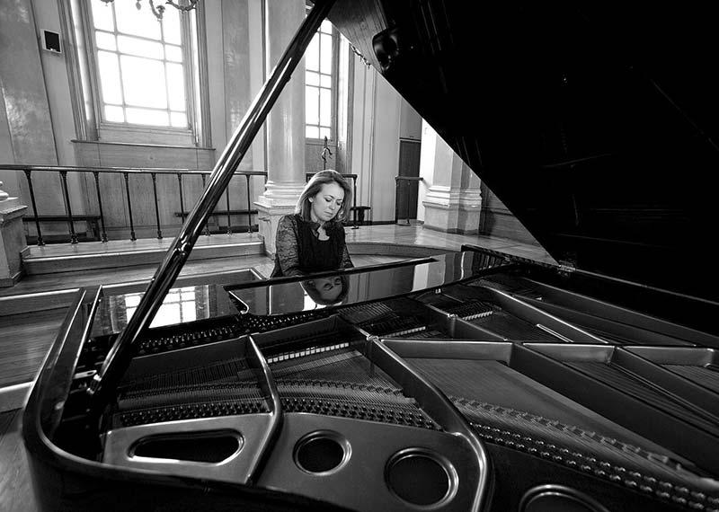 christine genereaux au piano